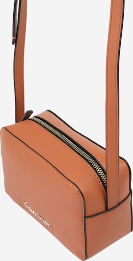 Calvin Klein Taška přes rameno 'MUST CAMERABAG' - hnědá, Produkt