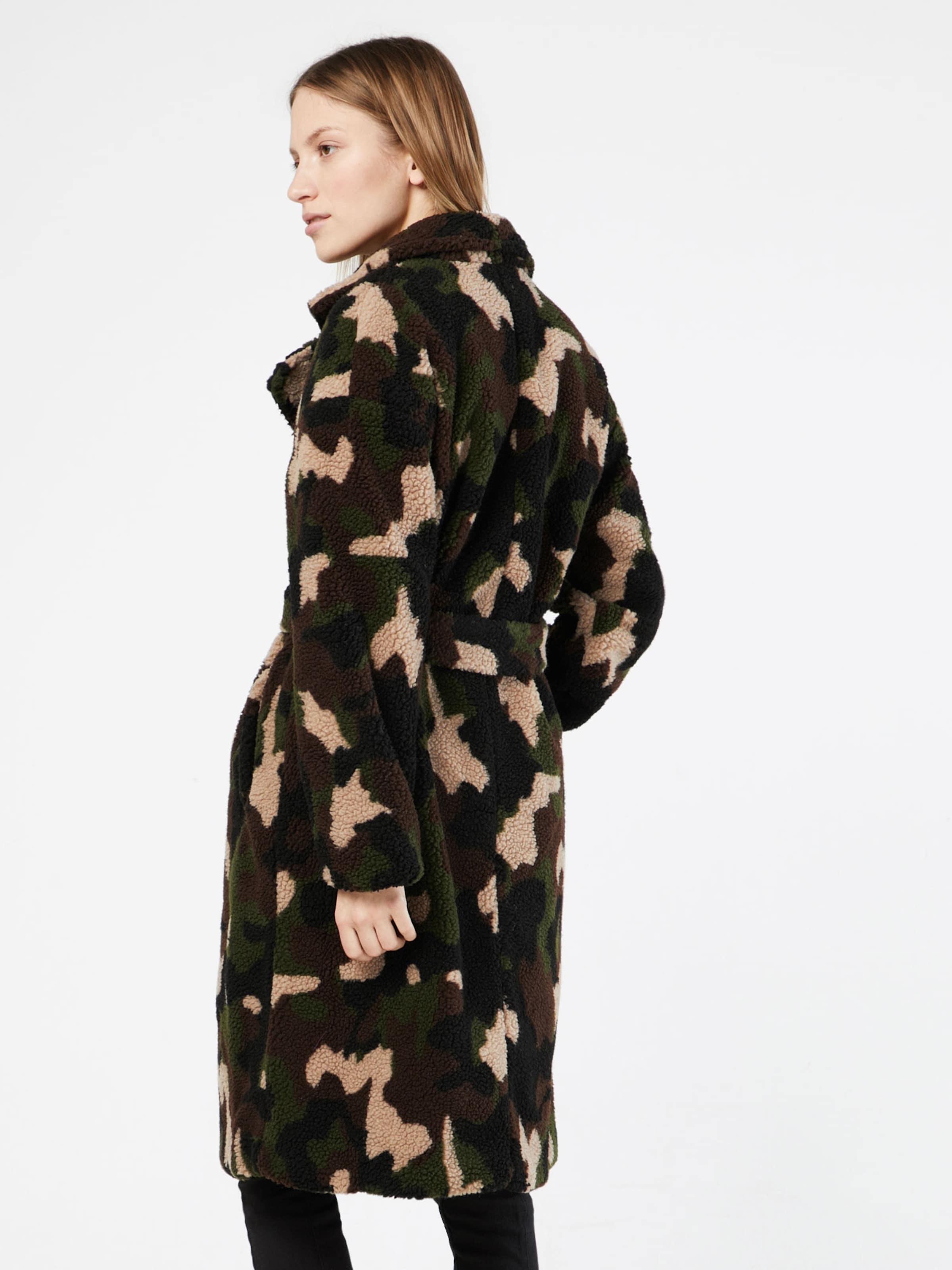 Große Diskont Günstiger Preis NA-KD Wintermantel 'camo teddy' Billig Verkauf Neue Stile Größte Anbieter Online owZoWz4WJf