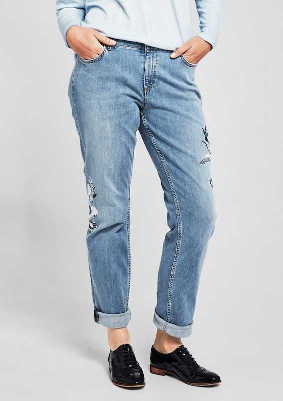 TRIANGLE Curvy Slim: Jeans mit Embroidery