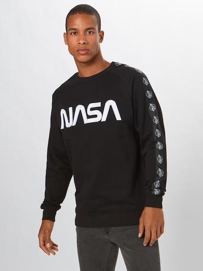 fekete Mister Tee Tréning póló 'NASA Wormlogo': Elölnézet