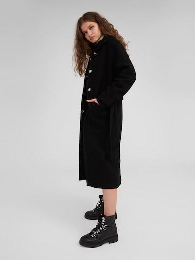 EDITED Mantel 'Yona' in schwarz, Modelansicht