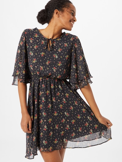 Trendyol Kleid in rot / schwarz, Modelansicht