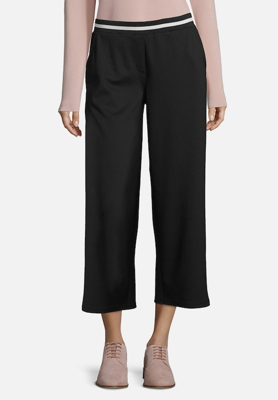 Betty & Co Culotte in schwarz: Frontalansicht