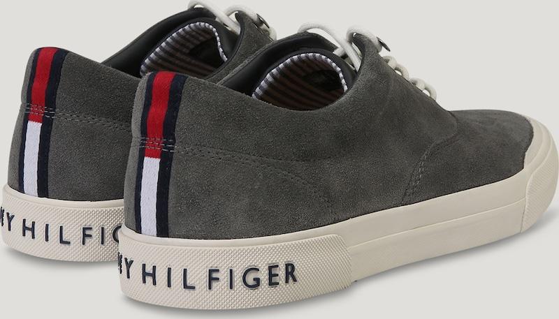 TOMMY HILFIGER Sneaker 'HERITAGE' 'HERITAGE' Sneaker aus Veloursleder 9bbb4c