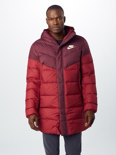 Nike Sportswear Mantel 'Windrunner' in rot / rubinrot, Modelansicht