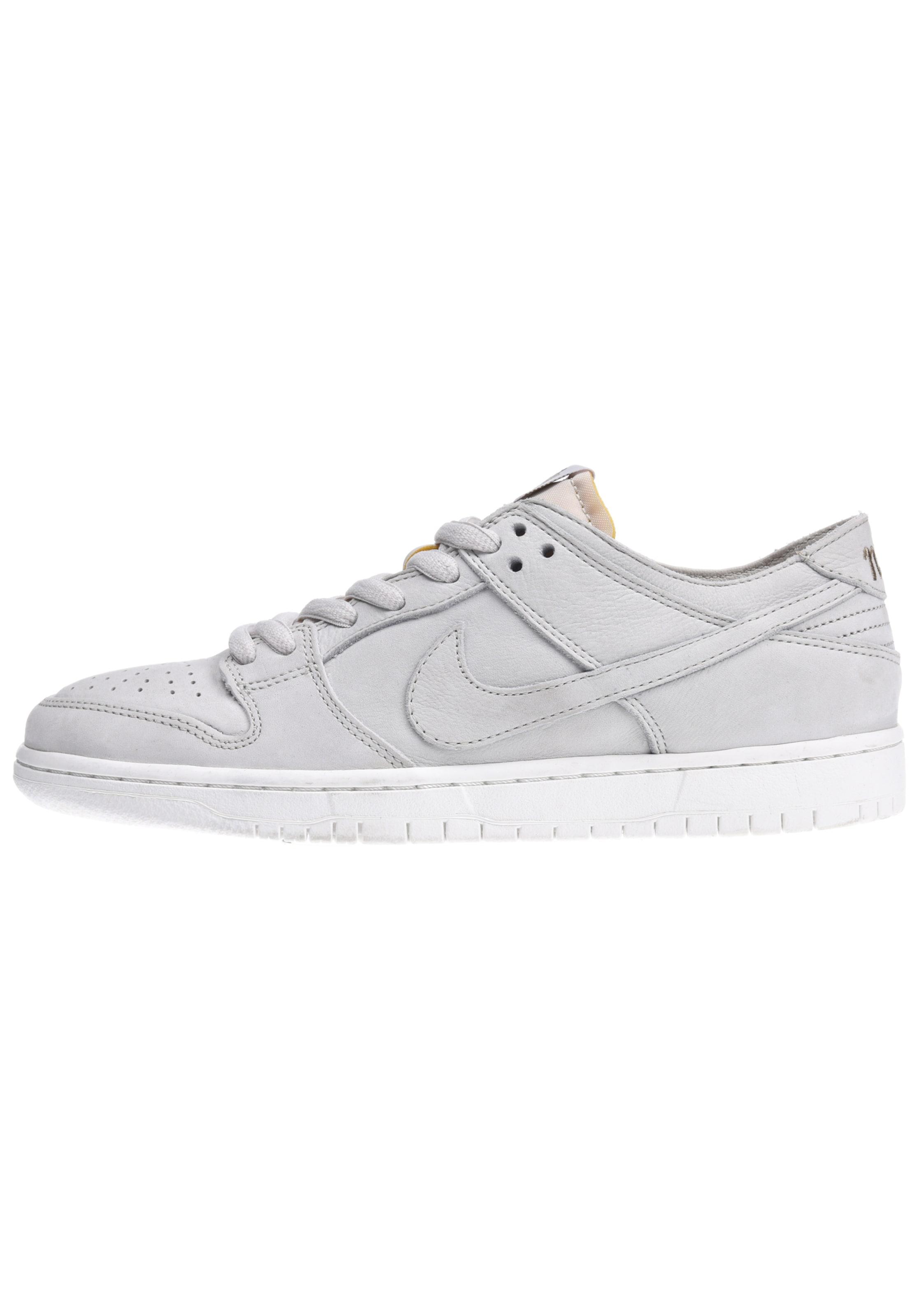 Nike SB Zoom Dunk Low Pro Decon Sneaker