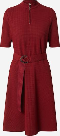 HUGO Robe en rouge, Vue avec produit