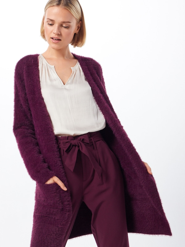 Desires Strickjacke 'Dori 2' in bordeaux, Modelansicht