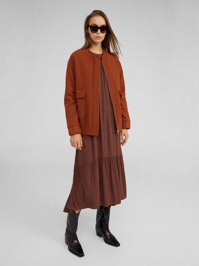 EDITED Kurtka przejściowa 'Nalan' w kolorze brązowym, Podgląd na modelu(-ce)