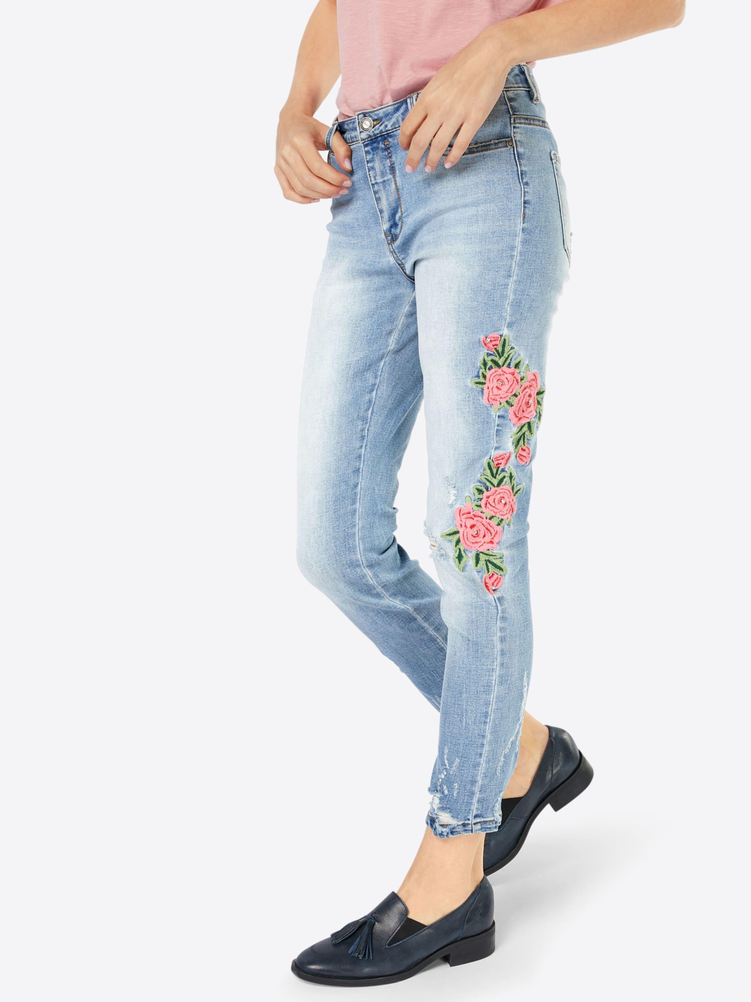 Billig Billig Zum Verkauf Der Billigsten ONLY Skinny Jeans 'Carmen' Rabatt Footlocker Wo Zu Kaufen Outlet Shop Angebot TtV62ZH3R
