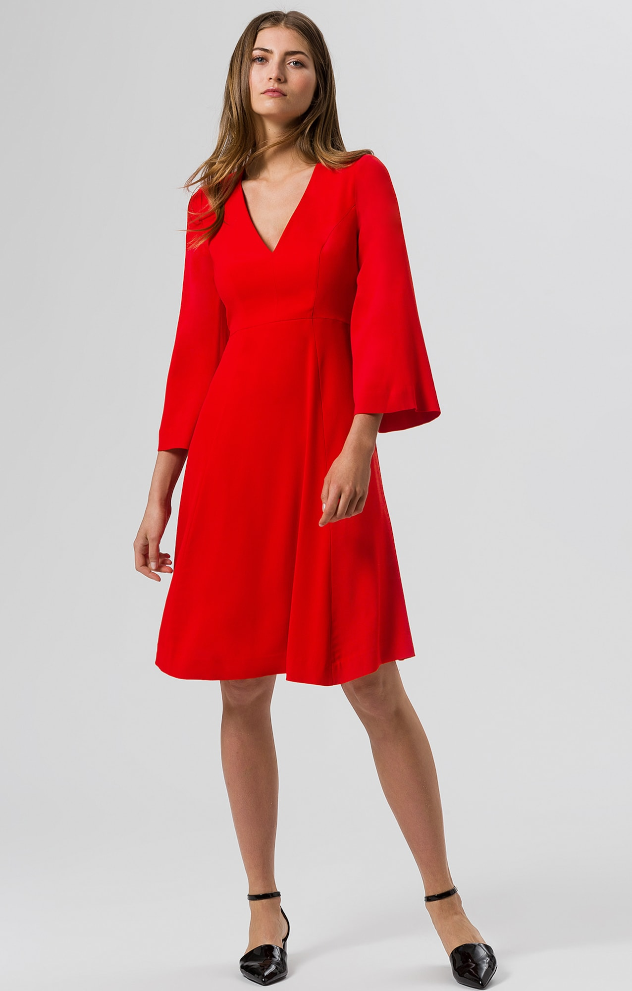IVY & OAK Kleid Midi-Dress Flared Sleeve in rot | ABOUT YOU