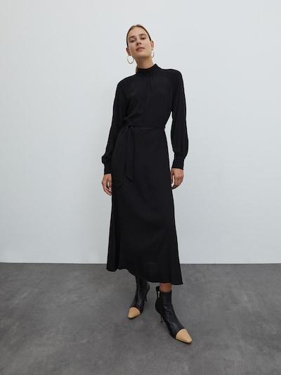 EDITED Kleid 'Indira' in schwarz, Modelansicht