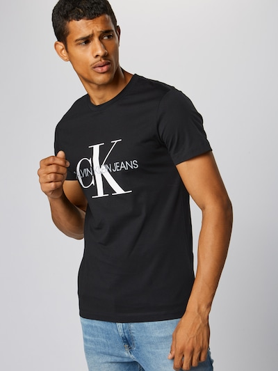 Tricou Calvin Klein Jeans pe negru, Vizualizare model