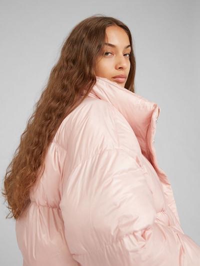 EDITED Zimska jakna 'Elroy' | roza / rosé barva: Pogled od zadnje strani