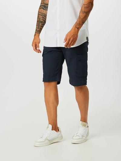 GUESS Spodnie 'BEN' w kolorze granatowym, Podgląd na modelu(-ce)