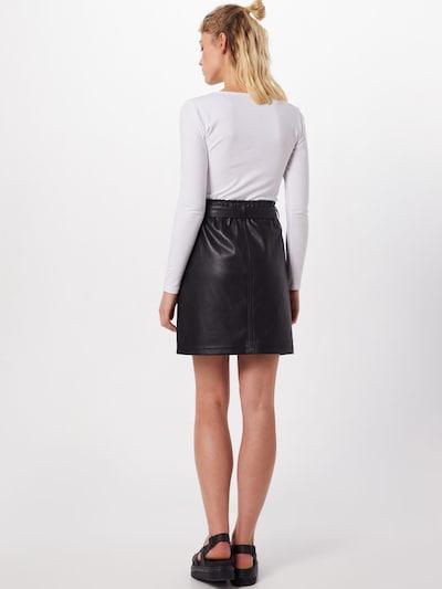 STREET ONE Spódnica w kolorze czarnym: Widok od tyłu
