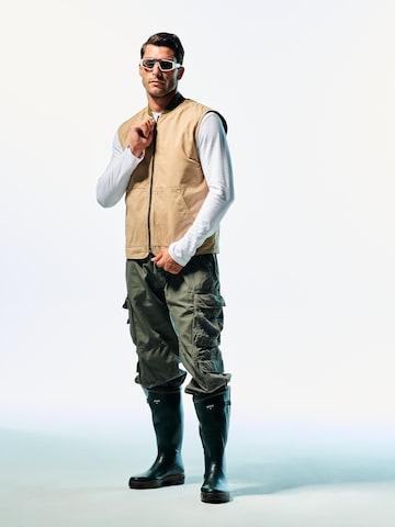 Cozy Beige Vest Look