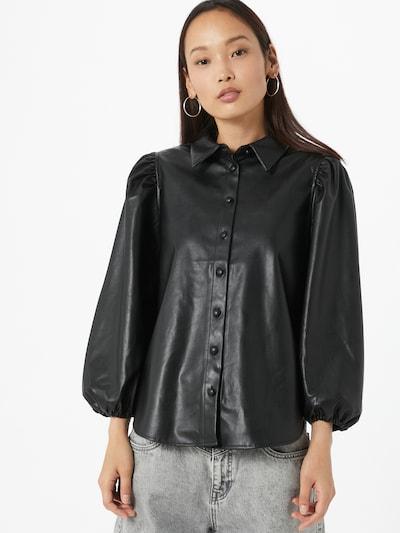 Bluză 'Ronya' ONLY pe negru, Vizualizare model
