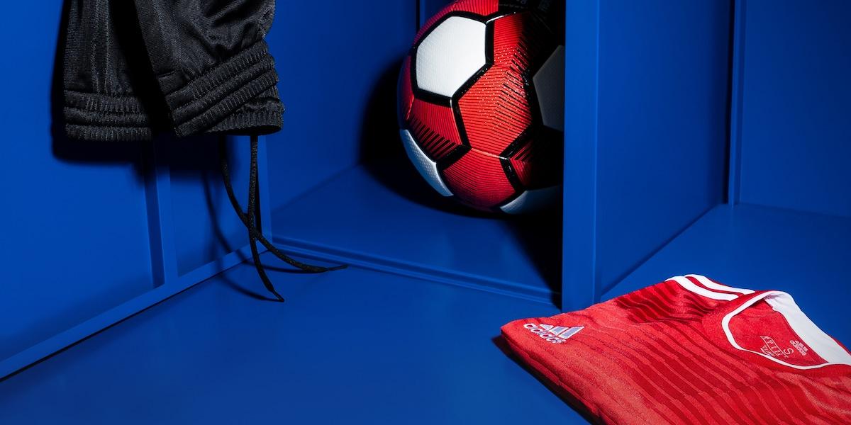 Bundesliga Trikots und weitere Fußballfan-Mode bei ABOUT YOU