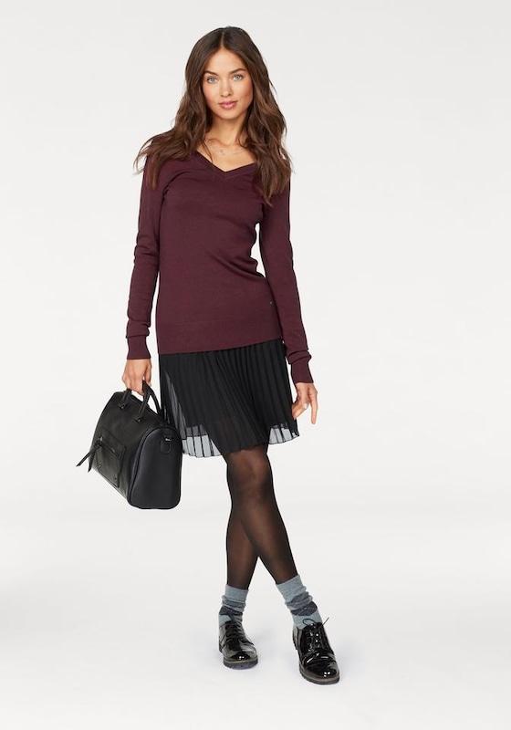 Ajc V-neck Sweater-