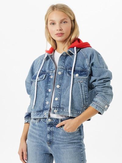 Tommy Jeans Jacke in blue denim / hellrot, Modelansicht