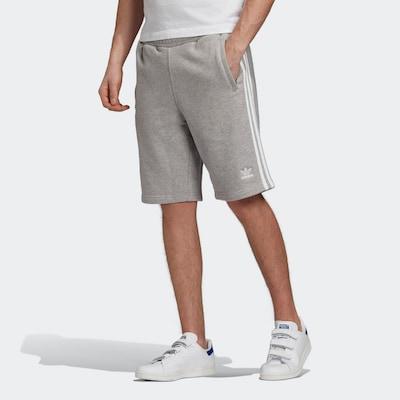 ADIDAS ORIGINALS Shorts in graumeliert / weiß, Modelansicht
