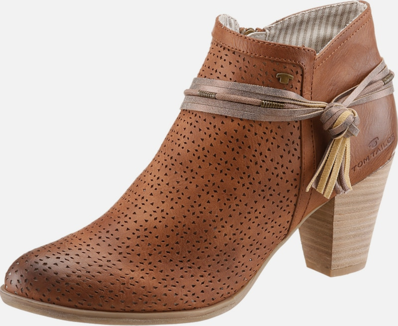 Tom Tailor Ankle Boot With Fashionable Embossing