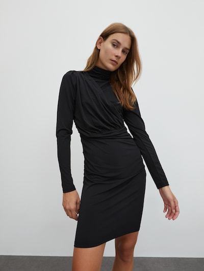EDITED Haljina 'Dinah' u crna, Prikaz modela