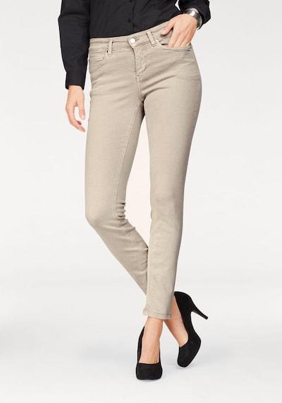 MAC Jeans 'Dream' in de kleur Beige, Modelweergave