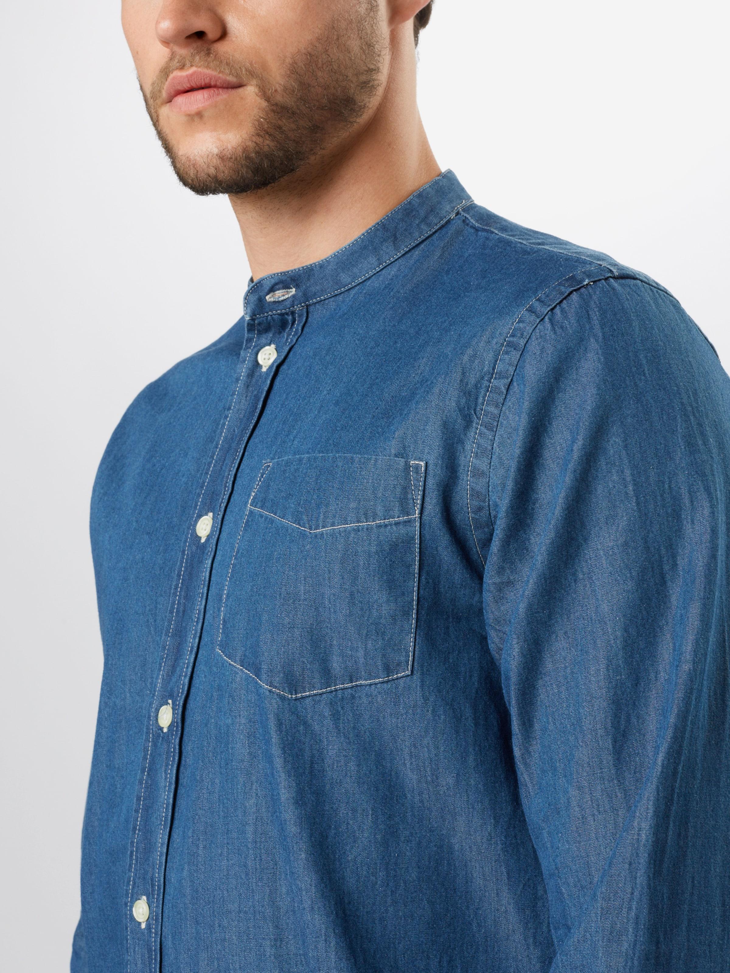 By Garment Makers Skjorta 'Richard' i blå