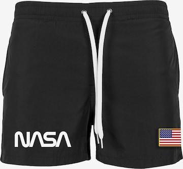 Mister Tee Badeshorts 'NASA' i svart