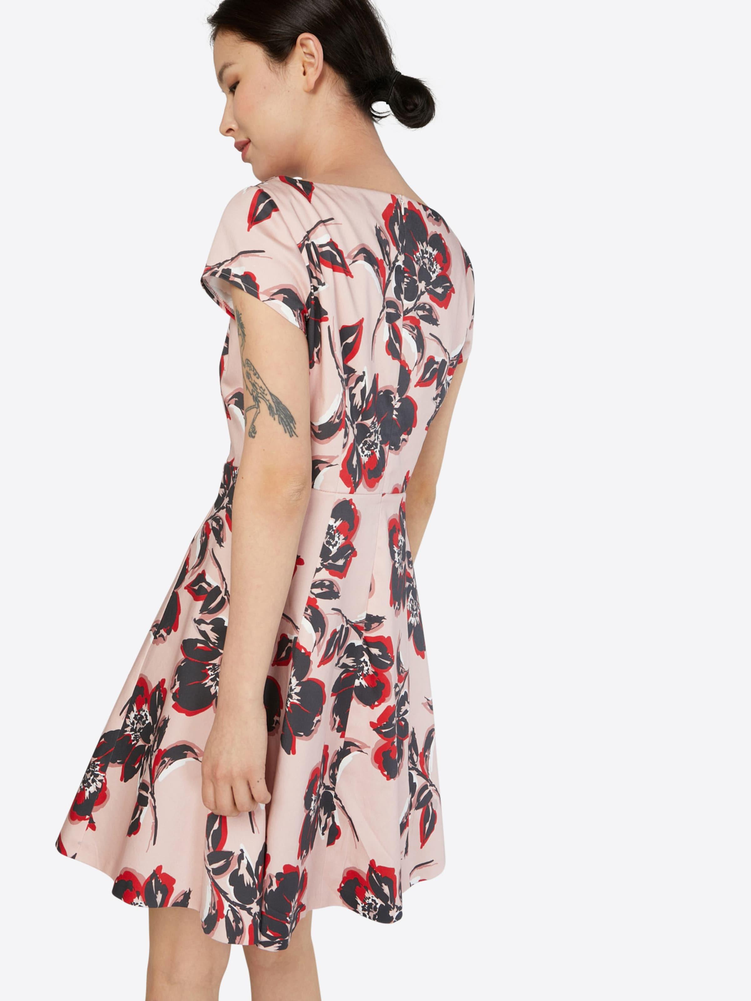 Vera Vera Kleid Vera Kleid Mont Mont mit Blumenmuster Mont Kleid Blumenmuster mit mit Vera Blumenmuster Hw8xYf