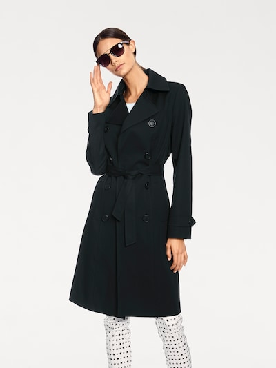 heine Mantel in schwarz, Modelansicht