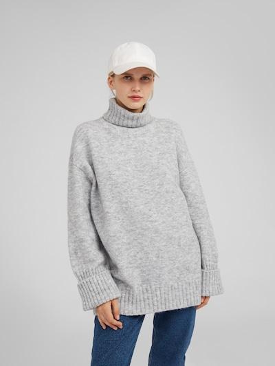 EDITED Pullover 'Lou' in grau, Modelansicht