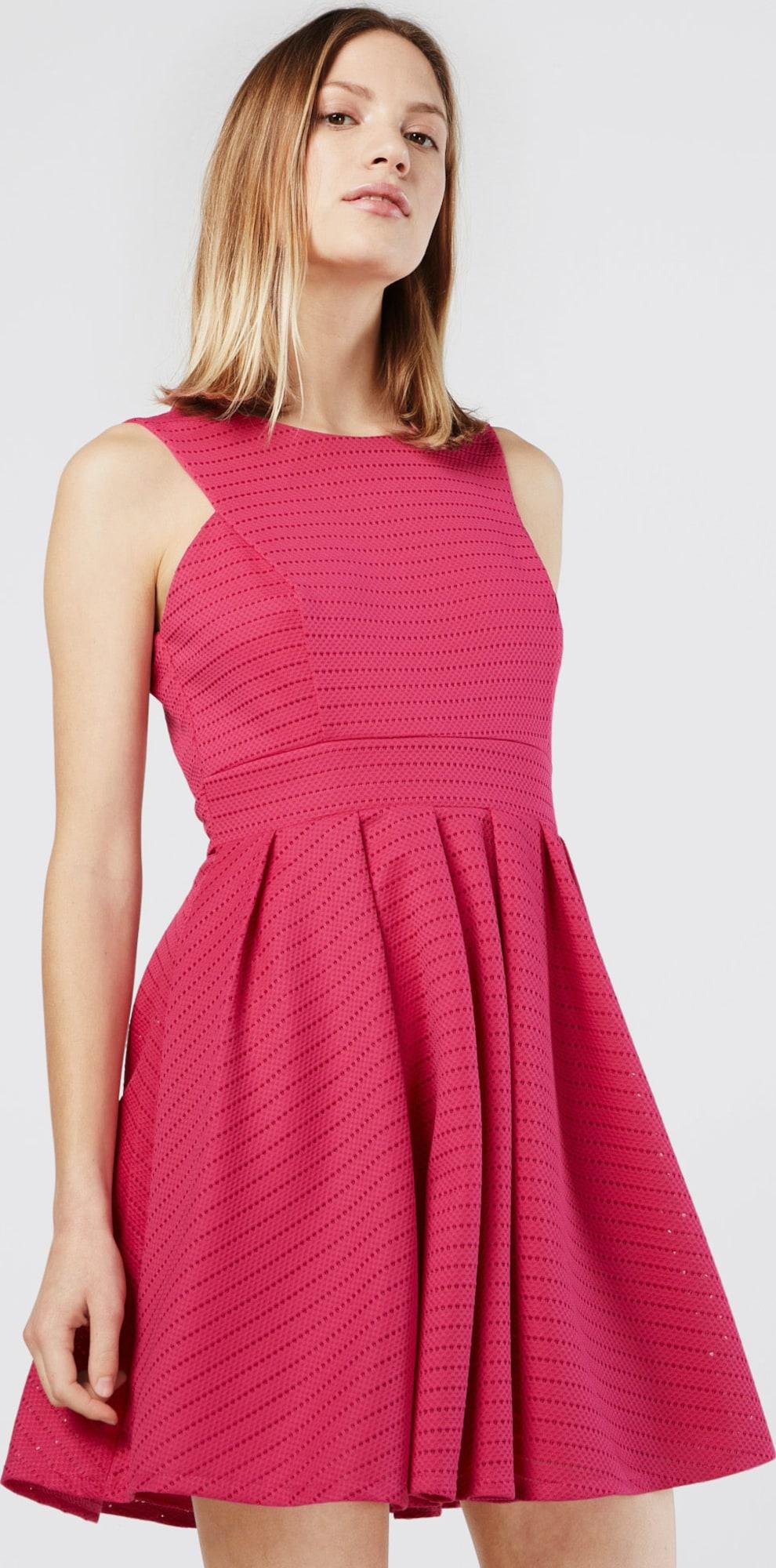 wal g ausgestelltes kleid mit lochmuster in pink about you. Black Bedroom Furniture Sets. Home Design Ideas