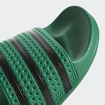 ADIDAS ORIGINALS Bade-Slider in oliv / schwarz, Produktansicht