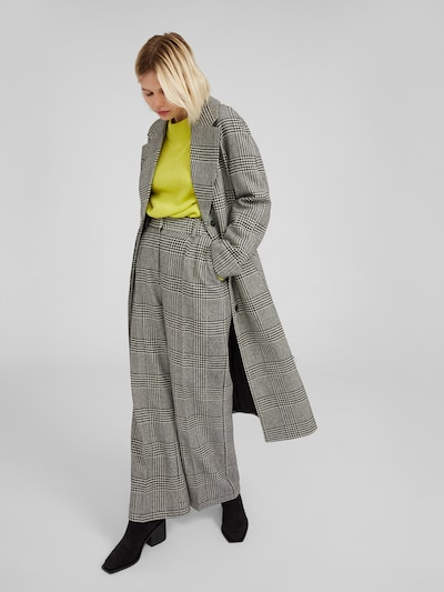 EDITED Manteau mi-saison 'Cecilia' en noir / blanc, Vue avec modèle