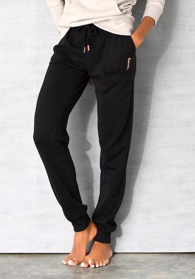 BENCH Loungehose in schwarz, Modelansicht