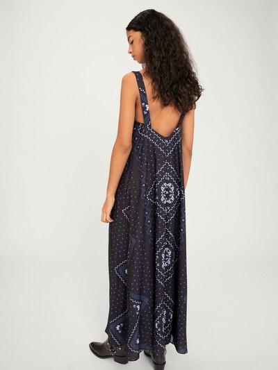 Rochie 'Annalie' EDITED pe albastru / negru / alb: Privire spate