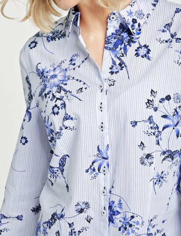 GERRY WEBER Blause mit mit mit Blütenranken in hellblau   schwarz   weiß  Bequem und günstig c48236