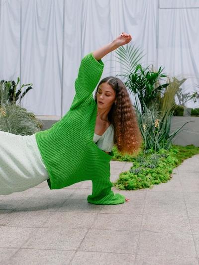 LeGer by Lena Gercke Pull-over 'ROMINA' en citron vert / vert fluo, Vue avec modèle