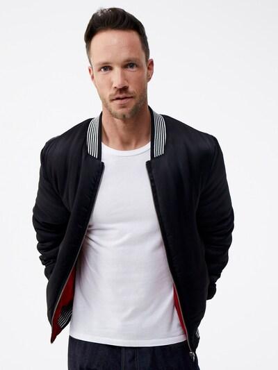 ABOUT YOU x Magic Fox Prehodna jakna 'Jan' | rdeča / črna barva: Frontalni pogled