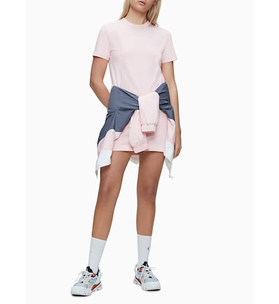 Calvin Klein Jeans T-shirt Dress in pastellpink, Modelansicht