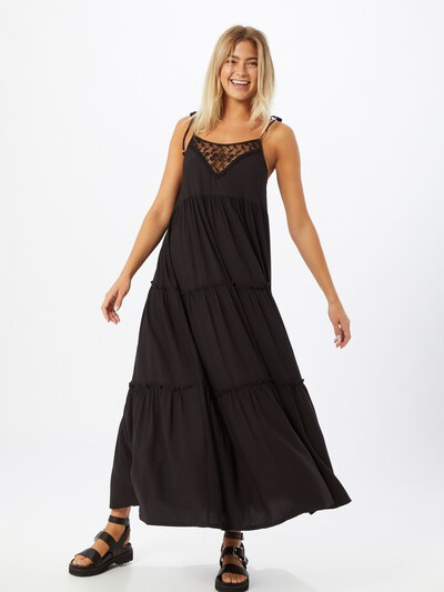 Q/S designed by Letní šaty - černá, Model/ka