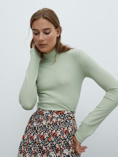 Marškinėliai 'Manon' iš EDITED , spalva - mėtų spalva, Modelio vaizdas