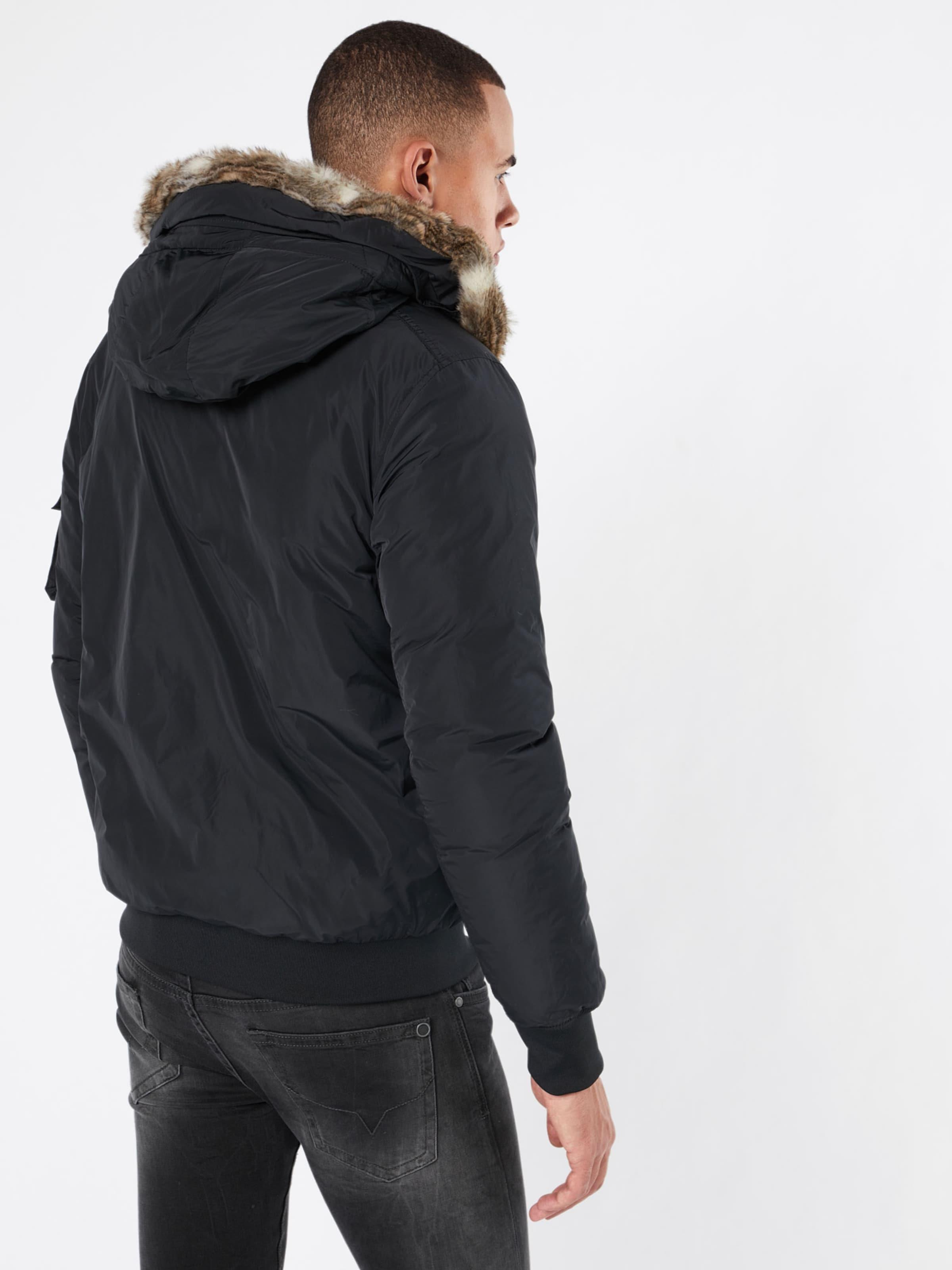 Outlet-Store BENCH Winterjacke 'NOMENS' Einkaufen Wiki Günstiger Preis qdR9x