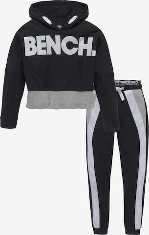 BENCH Shirt & Hose in Schwarz