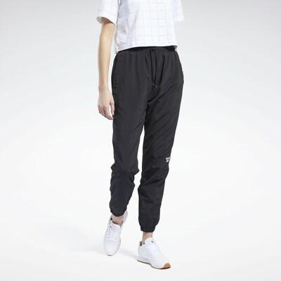 Reebok Classic Hose in schwarz, Modelansicht