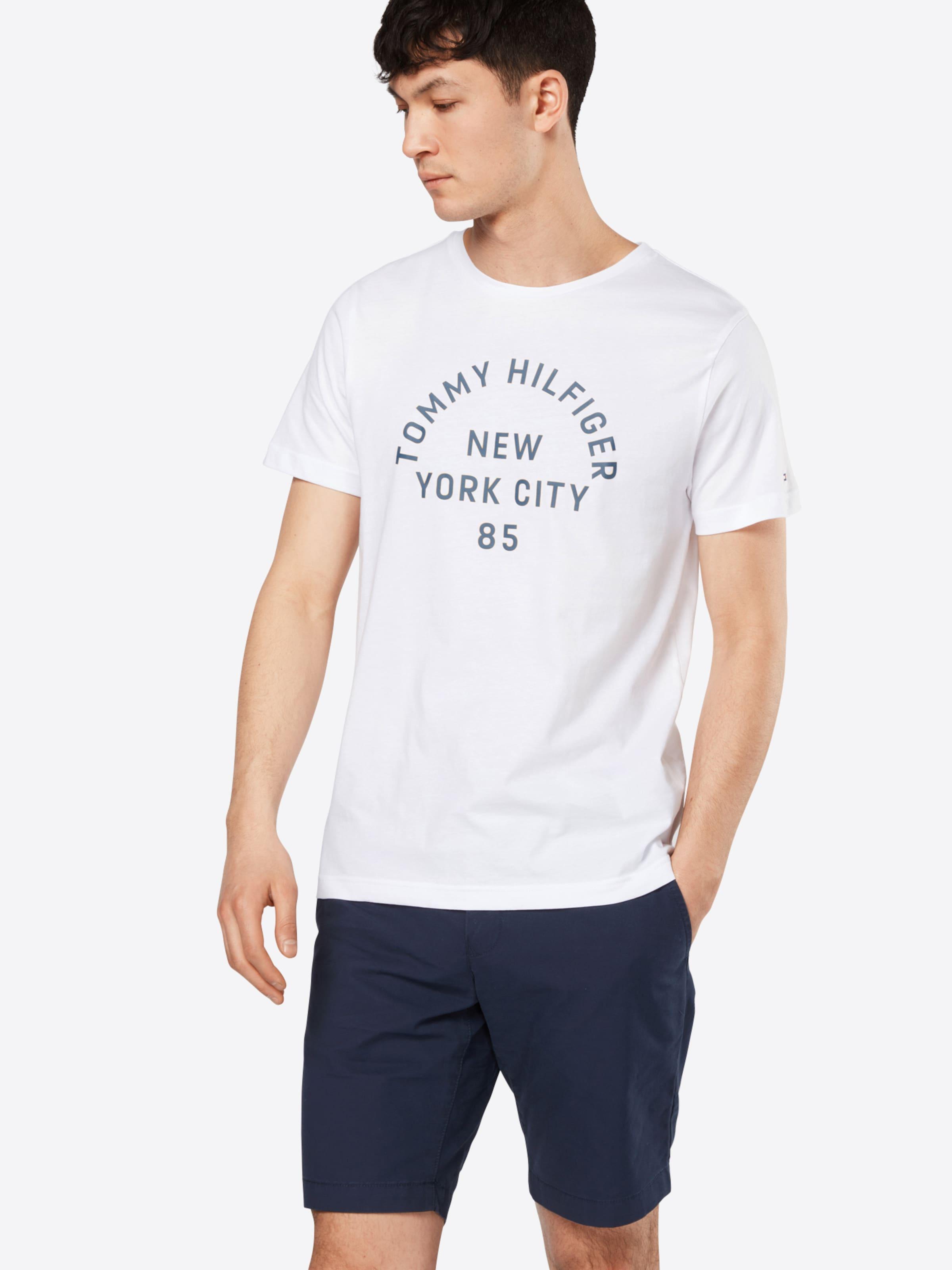 TOMMY HILFIGER T-Shirt 'MULTI LAYERED LOGO GRAPHIC' Aus Deutschland Günstigem Preis Günstiger Online-Shop Auslass Amazon Shop Günstigen Preis Günstig Kaufen Neue lJEWottm3G