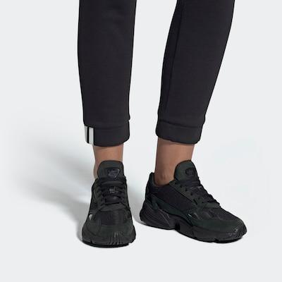 ADIDAS ORIGINALS Zemie apavi 'Falcon' pieejami melns: Priekšējais skats